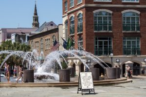 the splashpad at charleston waterfront park is one of the best things to do in charleston sc with kids