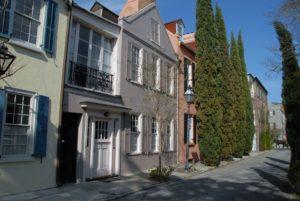 historical neighborhood in historic downtown charleston sc